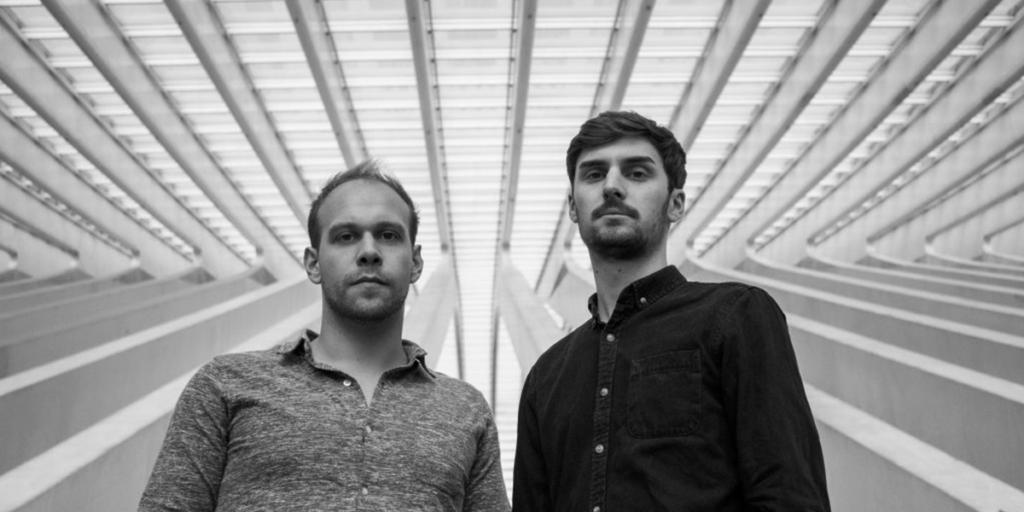 Die beiden Musiker von The Vult im Lütticher Bahnhof.