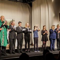 Theatergruppe Kettenis am Ende des Auftritts